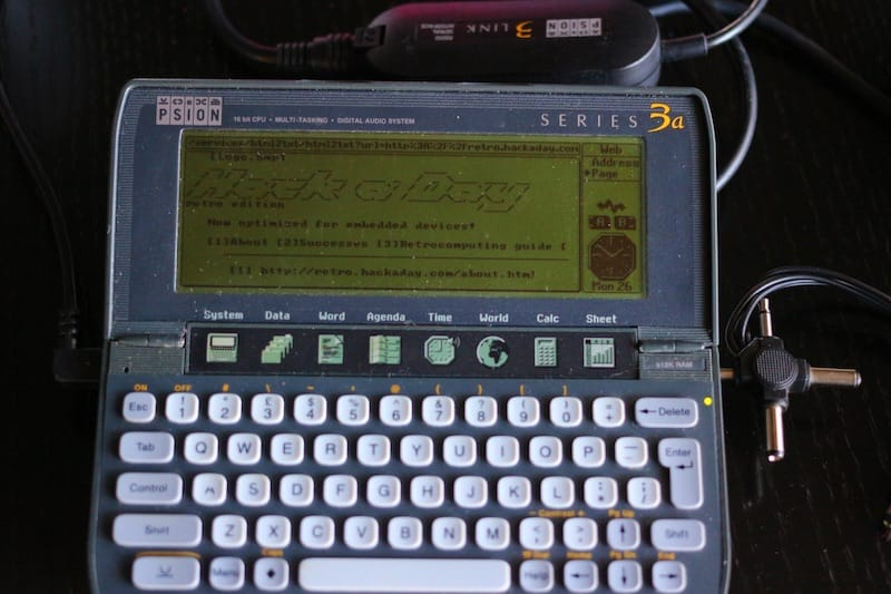 Psion 3a loading Hackaday's Retro site.